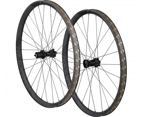 Specialized Roval Traverse SL Fattie 650b wheelset | carbon-black decal
