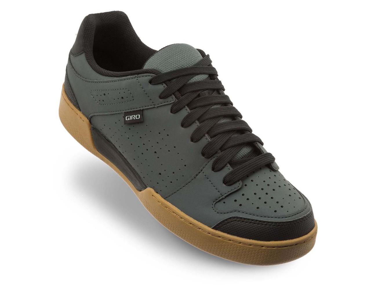 Giro Jacket II - MTB Shoes   dark shadow-gum