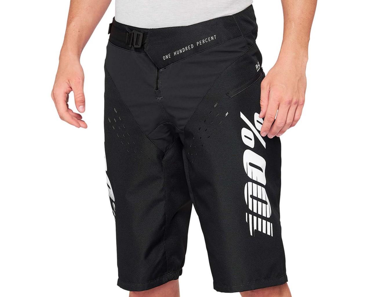 100% R-Core Shorts | black